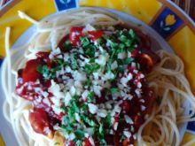 Spaghetti z pieczarkami w sosie