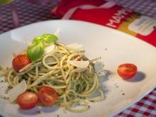 Spaghetti z pieczonymi pomidorami i pesto z rukoli