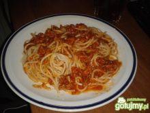 Spaghetti z pomidorowo-mięsnym sosem