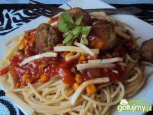 spaghetti z pulpetami.