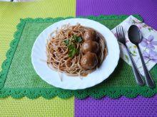 Spaghetti z sosem i kuleczkami z mięsa