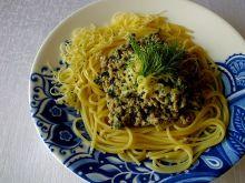Spaghetti z sosem mięsno - pokrzywowym