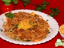 Spaghetti z sosem na mięsie po rosole