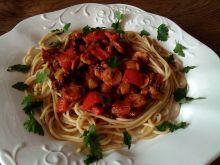 Spaghetti z sosem parówkowym