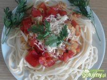 Spaghetti z sosem wielowarzywnym