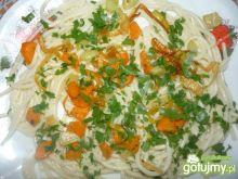 Spaghetti z warzywami z patelni