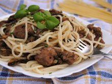 Spaghetti z wątróbką i pieczarkami
