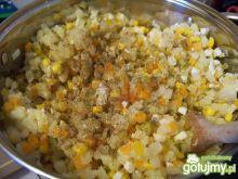 Standardowa sałatka warzywna