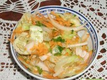 Surówka do obiadu z ogórków i marchewki