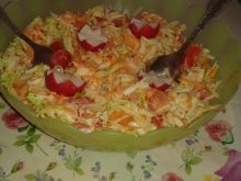 Surówka jarzynowa z pomidorami