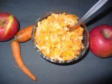 Surówka  marchewkowa z jabłkiem
