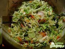 Surówka obiadowa z kapustą i rzodkiewką