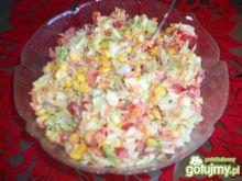 Surówka wielowarzywna z majonezem