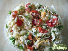 Surówka z białej kapusty i pomidorów