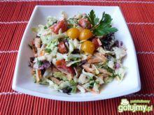 Surówka z cykorii, pomidorów i kapusty