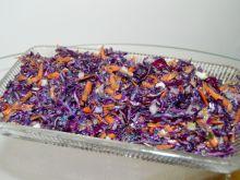 Surówka z czerwonej kapusty, marchewki i cebuli
