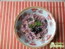 Surówka z czerwonej kapusty z oliwkami