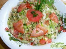 Surówka z kapust i pomidorów