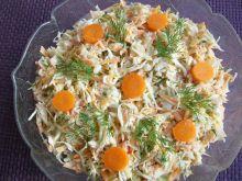 Surówka z kapusty i marchewki z koperkiem