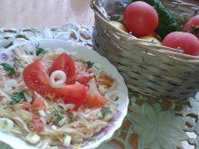 Surówka z kapusty i pomidorów