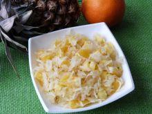 Surówka z kapusty z ananasem i pomarańczą
