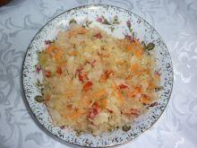 Surówka z kiszonej kapusty z marchewką, cebulką