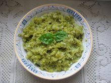 Surówka z korniszonów i cebuli