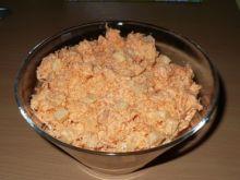 Surówka z marchewki i ananasa z majonezem