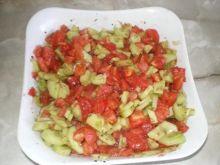 Surówka z ogórków i pomidorów