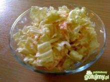 Surówka z pekinki z marchewką i jabłkiem