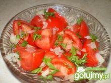 Surówka z pomidorów, cebuli i natki