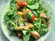 Surówka z roszponki, papryki i pomidorków