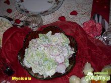 Surówka z rzodkiewką i jogurtem