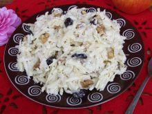 Surówka z selera z orzechami i żurawiną