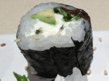 Sushi bez ryby z delikatnym serkiem.