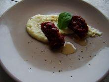 Suszone pomidory na purre z selera