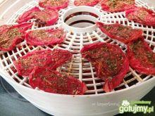 Suszone pomidory z bazylią