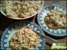 Świąteczna sałatka warzywna z majonezem