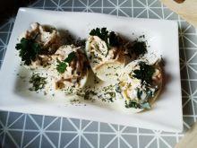 Świąteczne jajka z selerem konserwowym