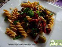 Świderkami z suszonymi pomidorami