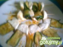 szaszłyki z grillowanej cukini i sera