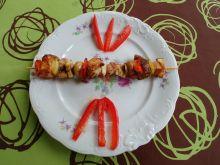 Szaszłyki z kurczakiem teriyaki, boczkiem, papryką