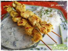 Szaszłyki z piersi indyka w curry