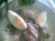 Szczawiowa z jajkiem na żeberku