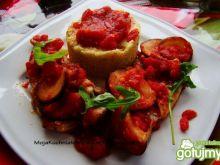 Szczupak zapiekany w pomidorach z kaszą