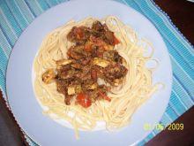 Szpagetti z sosem pesto.