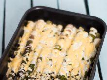 Szparagi pod kołderką ze śmietany i sera