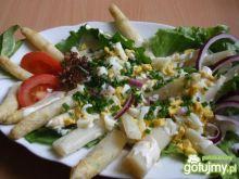 Szparagi w sosie majonezowym