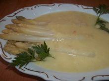 Szparagi w sosie musztardowym