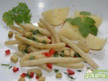 Szparagowa fasola z grzankami